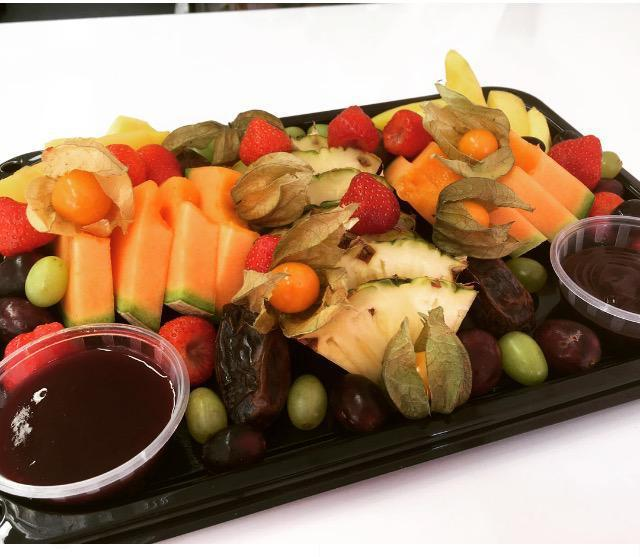 Medium Fruit Platter (6 People)