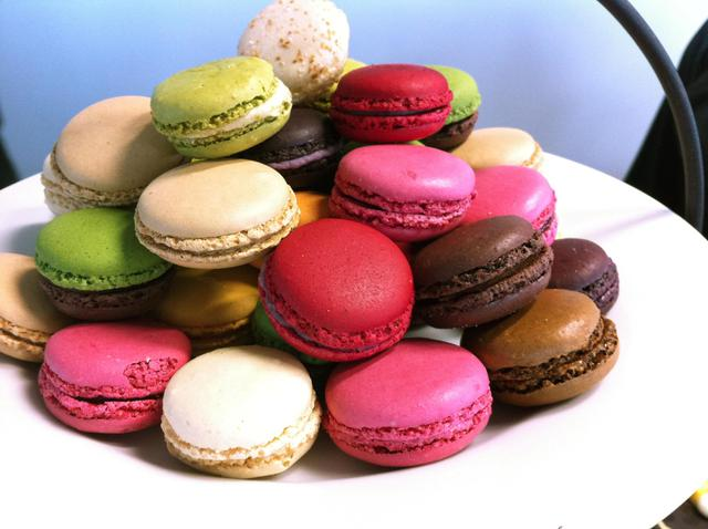 Ten - Mini Macarons